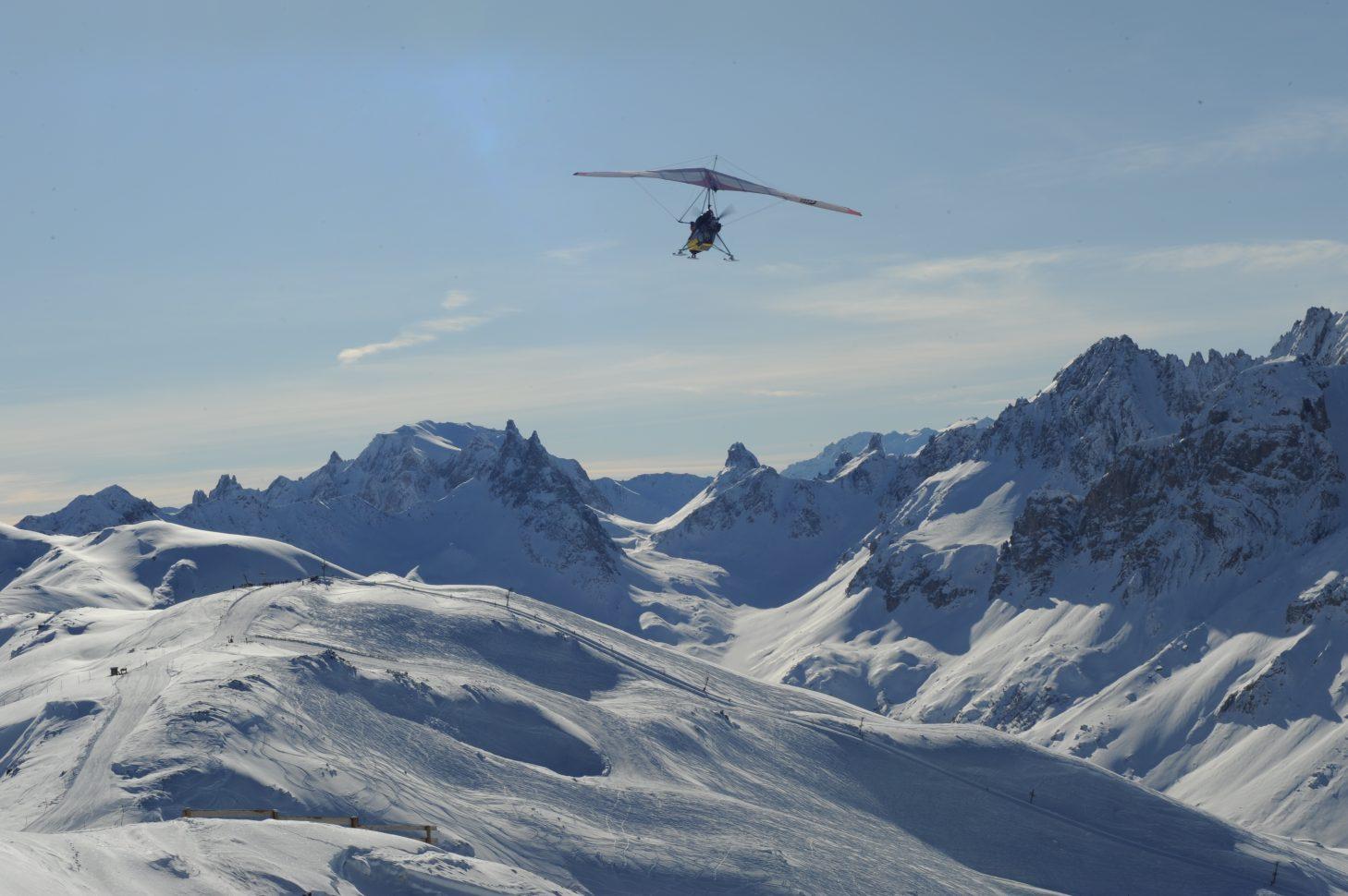 Survol du domaine skiable Galibier-Thabor en ULM