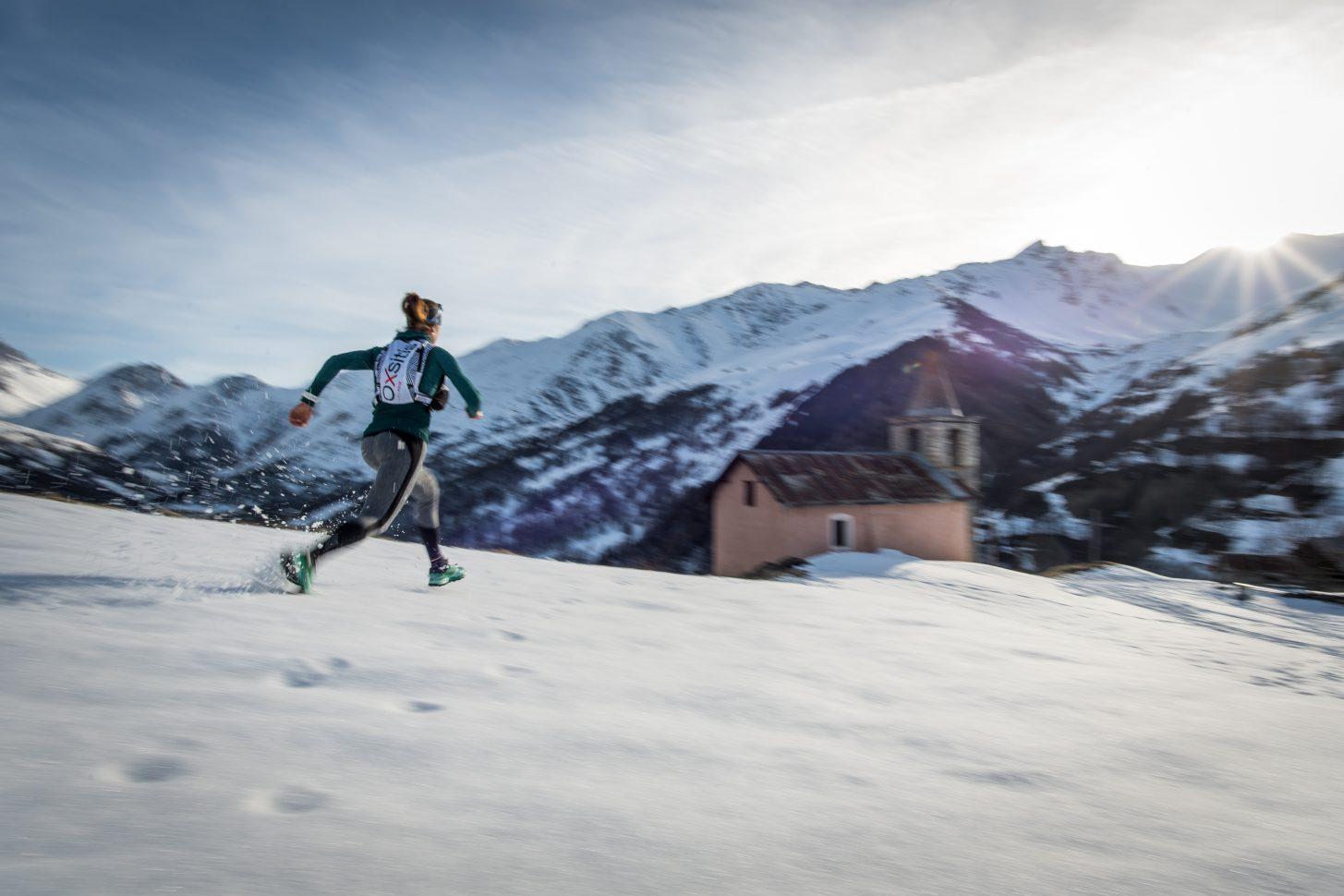 Courir dans la neige jusqu'au hameau de Poingt-Ravier