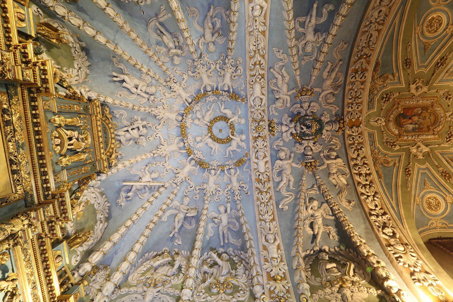 Voûte de l'église baroque de Valloire